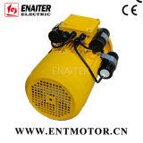Motor elétrico especial com três capacitores