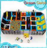Trampoline para a zona dos miúdos ou o centro do jogo