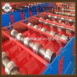 機械を形作る艶をかけられた鋼鉄タイルロール