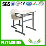 Únicas mesa da sala de aula e mobília de escola ajustáveis da cadeira