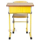 Escritorio y silla ajustables de la sala de clase de los muebles de escuela
