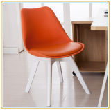Chaise met Orange Pu Cover en White Wooden Legs
