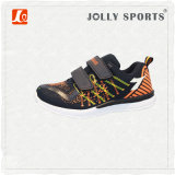 Sport delle calzature di modo che eseguono i pattini della scarpa da tennis per i bambini