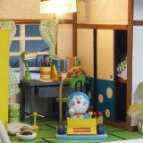 Casa de boneca de madeira do brinquedo DIY do miúdo com mobília