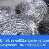 電流を通されたアコーディオン式/螺線形のタイプのかみそりの有刺鉄線