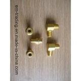 Os encaixes de tubulação de bronze retangulares do cotovelo