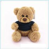 Urso feito sob encomenda relativo à promoção da peluche do logotipo com camisa de T
