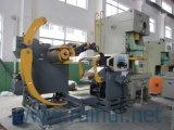 出版物機械のNCのサーボ送り装置を持つオートメーション機械ストレートナ