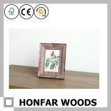 Старая смотря деревенская деревянная картинная рамка для украшения
