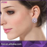 ピンクの立方ジルコニアの銀によってめっきされる女性のイヤリングの宝石類