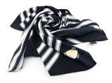 Les écharpes des femmes raffinent l'écharpe colorée de soie du type 100% d'impression