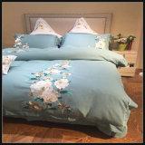 OEMのアパートのための適度な綿のホテルの寝具の慰める人
