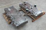 Il punzone muore la singole muffa/lavorazione con utensili di timbratura per l'Assemblea meccanica del workshop
