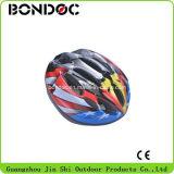 Новый цветастый шлем велосипеда для детей