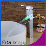 Bassin-Hahn des Fabrik-Preis-fester Messingwasserfall-3 der Farben-LED (FD15052BHF)