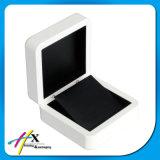 صاف بيضاء يدهن رف عالة - يجعل خشبيّة مجوهرات يعبّئ صندوق يشبع مجموعة