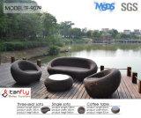 Sofà di vimini esterno del rattan della mobilia di figura rotonda di disegno moderno