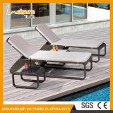 Silla de cubierta de mimbre de la playa de la terraza del balcón de los muebles del ocio de la rota del patio al aire libre