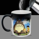 Le tazze di caffè cambianti di colore di calore Morph il calore della novità della tazza rivelano la tazza di ceramica di sublimazione della foto