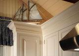 Os gabinetes de cozinha da madeira contínua do bordo projetam o gabinete de cozinha americano tradicional