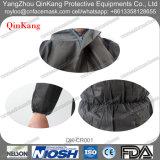 Cappotto/tuta non tessuti a gettare del laboratorio dei pp con il cappuccio