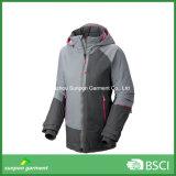 Горячая куртка лыжи зимы способа конструкции с хорошей разрывая прочностью