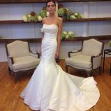 Платье венчания Trumpet сатинировки просто конструкции с отбортовывать Neckline