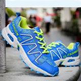 Das sapatilhas recreacionais do esporte dos homens novos da forma sapatas atléticas com cordões flexíveis