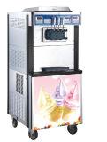 기계에게 연약한 서브를 하는 상업적인 아이스크림 제조기 아이스크림