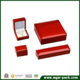 Caixa de jóia de madeira envernizada importada Handcrafted