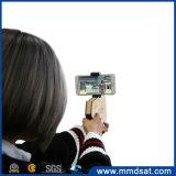La réalité AR jouent le canon avec le jouet de support de stand de téléphone cellulaire