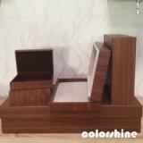 De madera rojo clásico como el rectángulo de regalo del embalaje de la joyería