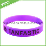 Faixa de pulso barata feita sob encomenda do silicone de Colorfilled do logotipo relativo à promoção dos presentes