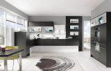 Armadi da cucina lucidi neri di rivestimento della lacca con l'alta barra moderna di lucentezza
