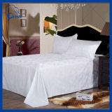 Strato bianco dell'assestamento dell'hotel di formato della regina Us$4.26 (QH8895009))