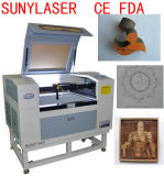 Cortador pequeno do laser do CO2 do tamanho para o cartão a preço do competidor