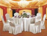 Pano de tabela do banquete do hotel e tampa da cadeira
