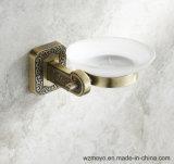 青銅色の終わりの浴室の石鹸入れ