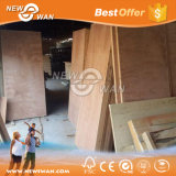 Madeira compensada de madeira do tamanho da porta do folheado de Okoume, madeira compensada 2mm-6mm da pele da porta