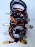 Cabo cobrando do USB dos dados do vaqueiro da fábrica de China