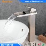Beelee escovou Faucet do dissipador do banheiro da cachoeira do punho niquelar o único