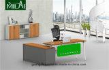 Mesa executiva moderna com pé do aço inoxidável