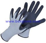 Joli gant de jardin de couleur