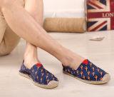 方法様式の特別なパターン(MD 21)が付いている平らな麻の靴