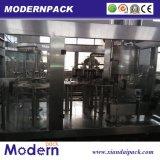 Três - dentro - uma linha de produção de enchimento automática da bebida