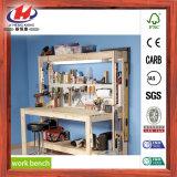 Banco de trabajo de madera con vicio de trabajo