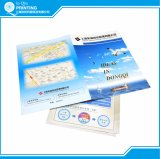 Dépliant de présentation avec la fente de carte de visite professionnelle de visite