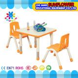 Cadeira de elevação Mesa de estudante de plástico Mesa quadrada pequena