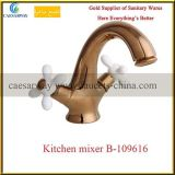 Faucet sanitário da cozinha dos mercadorias do punho transversal dourado de Rosa