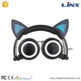 Écouteur rougeoyant de forme populaire neuve de chat pour des filles